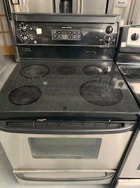 Stainless Steel GE glass top stove Montreal