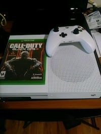 Xbox One S console with controller and game case 377 mi