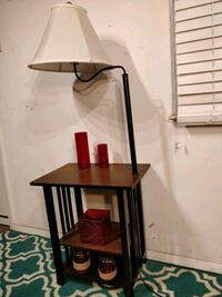 Nice wooden table with lamp and shelves in very go 21 mi
