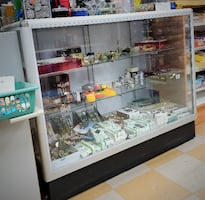 Like-New Glass Display Case-Retail Store Fixtures - EMPTY
