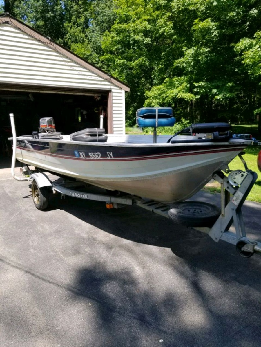 Photo 14 ft aluminum smokercraft fishing boat