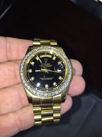 Very nice watch floats does not tick read the listing  Las Vegas, 89101