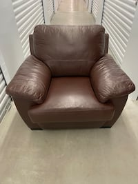 Armchair and Love-seat Sofa Vaughan, L4H