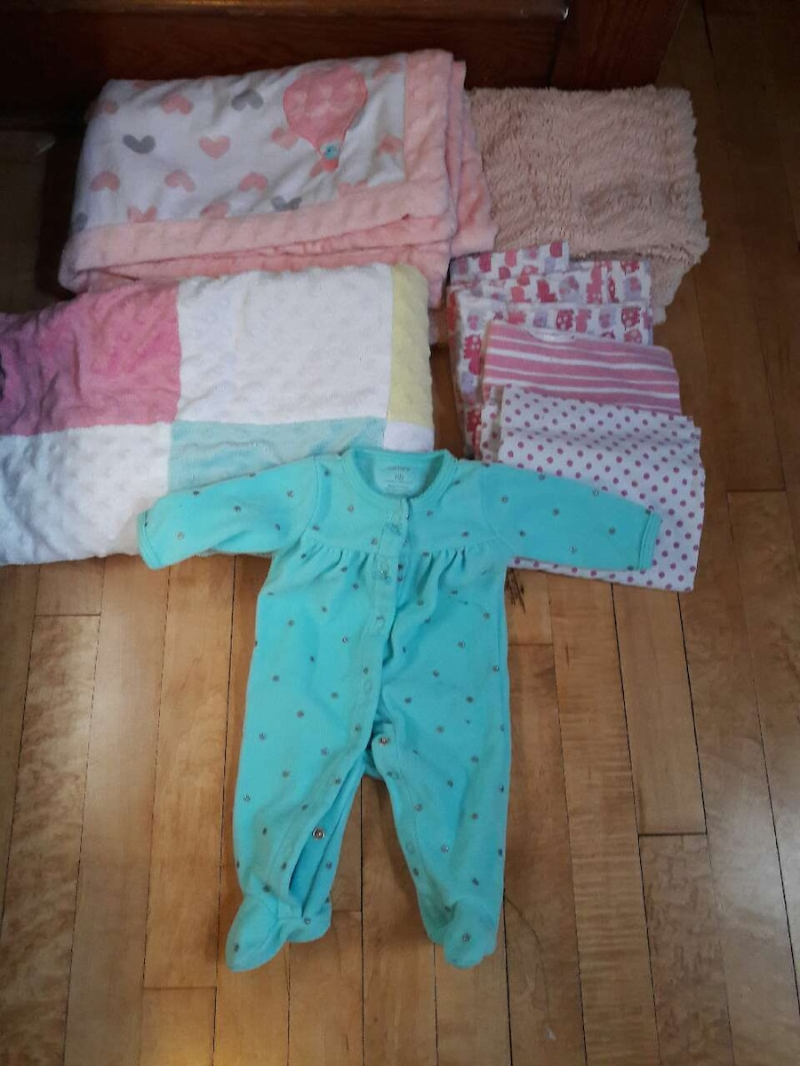 Letgo Baby Girl Newborn Sleepers And In West Allis Wi