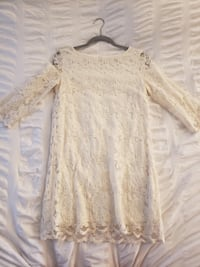White lace dress Vancouver, V5Y 3W5