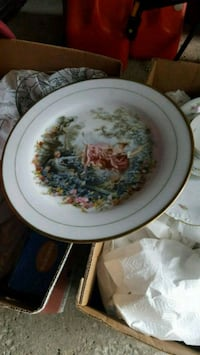 round white and green floral ceramic plate Oakville, L6L