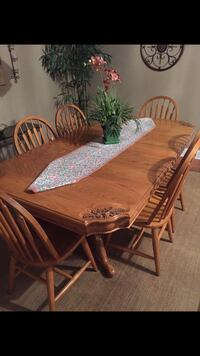 Dining room table and chairs Orlando, 32806