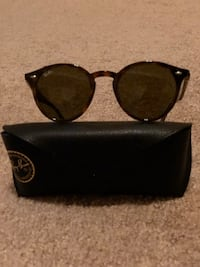 black Ray-Ban sunglasses with case 31 km