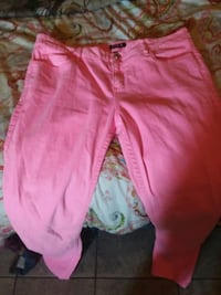 pink and white floral pants 987 mi