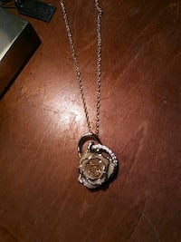 silver chain necklace with heart pendant Jeffersonville, 47130