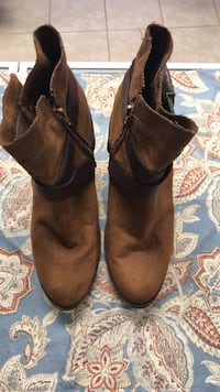Mossimo Boots Size 91/2 Gulfport, 39501