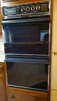 Double wall oven. Works great Redlands, 92373