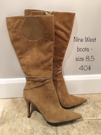 pair of brown suede knee-high heeled boots Montréal, H3A
