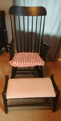 Antique rocking chair and stool Pickerington, 43147