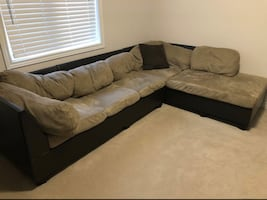 FREE DELIVERY - BEIGE LEATHER SECTIONAL COUCH + yOTTOMAN - GOOD COND