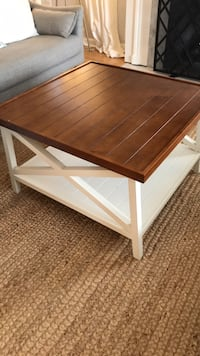 Square brown wooden coffee table Tacoma, 98407