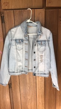 Gray button-up denim jacket Concord, 94518