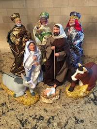Santons Nativity Set 8 pieces hand made in Provence France