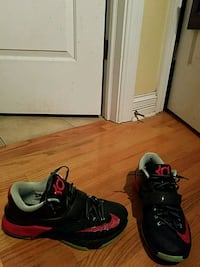 Nike Kevin Durant 7 Bad Apple colorway size 9.5 Sugar Grove, 60554