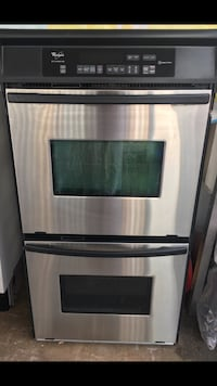 Whirlpool double oven works perfect 1 year old Garner, 27529