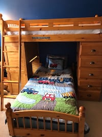 Brown wooden bunk bed ensemble   Bristow, 20136