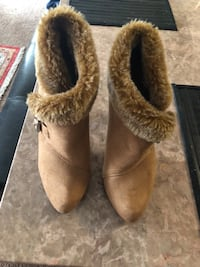 Pair of brown suede boots San Ramon, 94582