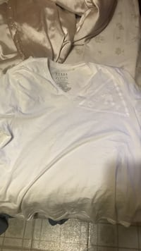 Guess men's shirt medium London, N5Y 4E3