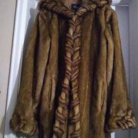 New REGAL Faux (fake) fur Coat/Jacket with Hood Toronto