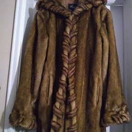 New REGAL Faux (fake) fur Coat/Jacket with Hood