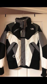 black and white zip-up jacket Oxon Hill, 20745