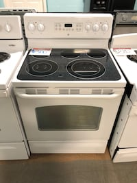 GE white electric glass top stove Reisterstown, 21136