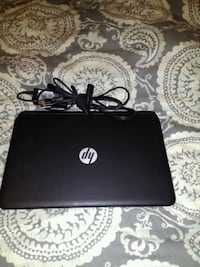 black HP laptop with AC adapter Cashmere, 98815