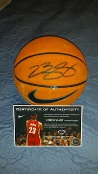 Lebron James signed & authenticated basketball  Toronto, M1L 2T3