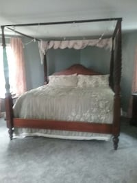 Ethan Allen cherry king canopy bed Connecticut, 06016