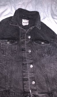 Brand new jean jacket size M