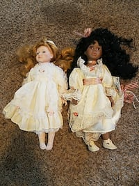 two female doll in white and brown dress Lawrence, 66047
