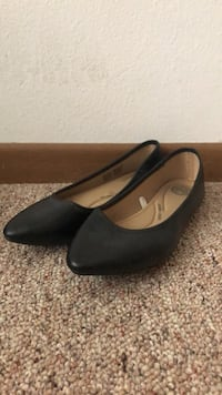 Black Flat Shoes Size 10  Ames, 50010