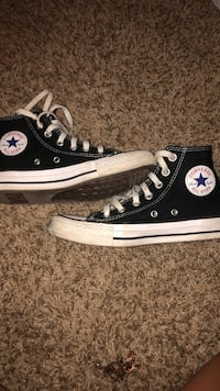 woman's size 5 black converse Franklin, 53132