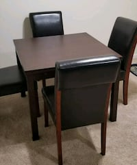 Like new dinning table with 4 chairs  Charlotte, 28262