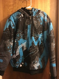Adults hooded sweater. Size XL 2347 mi