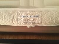 Pillow top select comfort ultra series queen mattress..with pump and dual chamber controllee