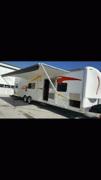 2012 30 foot work and play camper 661 km