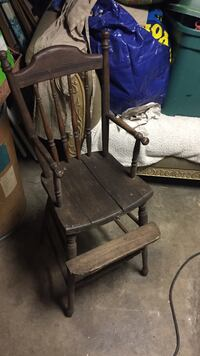 brown wooden high chair Brunswick, 21716