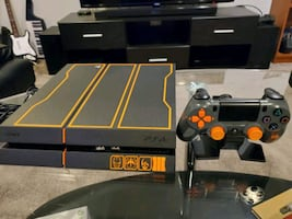 PS4 1GB. with games