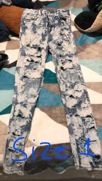 gray and black camouflage pants Bakersfield, 93309