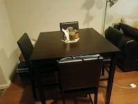 Square dining table. Modern, with 4 chairs  Houston, 77098