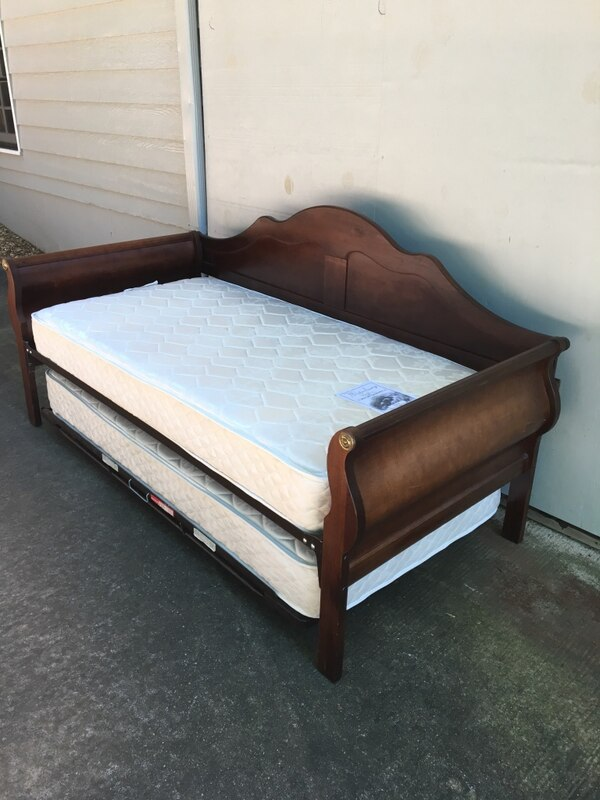 Cherry Sleigh Day Bed W Lift Up Trundle Two Firm Mattresses Measures