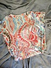Chico's short sleeve top size 2. Owings Mills, 21117