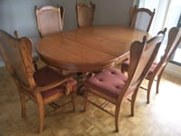 Oak Dining Table with 7 Chairs Toronto, M1W 2X8