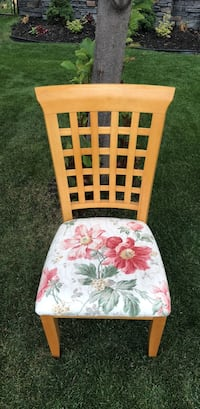 Set of 8 chairs all in perfect condition  Calgary, T3H 5Y5